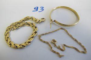 1 Lot casse tout or(1 bracelet maille festonnée abimée/1 créole/1 bracelet maille vénitienne(fermoir cassé).PB10,4g