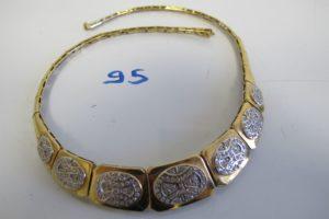 1 Collier 2 ors articulé orné de pierresblanches (fermoir cassé)(D13cm).PB 40,8g