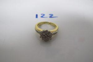 1 Bague en or pavée de diamants(td50). PB 5,1g