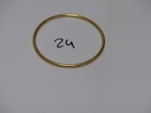 1 bracelet jonc en or (diamètre 6,5cm). PB 21,3grs
