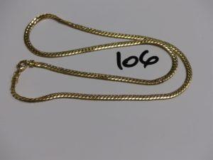 1 collier maille anglaise en or (L42cm, 1 maillon abimé). PB 6,9g