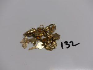 1 bracelet cassé en or (quelques soudures en métal). PB 7,2g