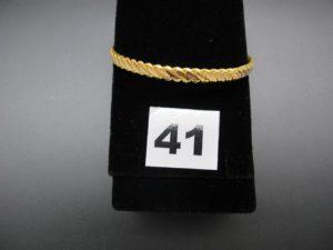 1 bracelet rigide tressé en or 22 K (diamètre 6,2cm). PB 20,2g