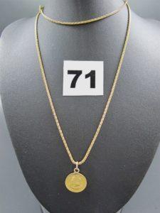 1 chaine maille palmier en or (L 60cm) et son pendentif pièce Péruvienne en or 22k( attache en 14k). PB 8,7g