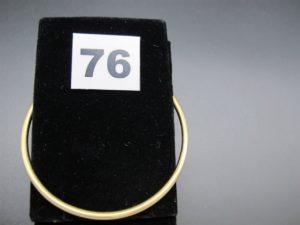 1 bracelet jonc en or or (diamètre 6,5cm). PB 25,4g