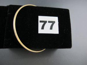 1 Bracelet jonc en or (diamètre 6,5cm). PB 13,9g