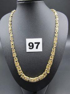 1 collier en or maille royale, gradué (L 50cm, maillons cabossés) fermoir bouée. PB 29,4g