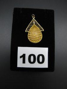 1 pendentif en or 21 K partie ajourée filigranée. PB 5,2g