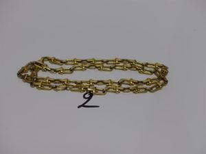 1 collier maille étrier en or (L67cm). PB 102,7g
