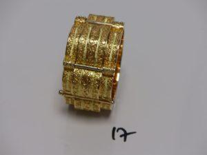 1 bracelet esclave ouvragé en or (fermoir à vis, diamètre 6cm). PB 87,3g