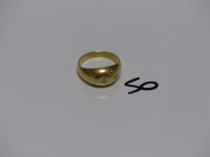 1 bague demi-jonc en or ornée d'un diamant d'environ 0,10ct (td63). PB 8g