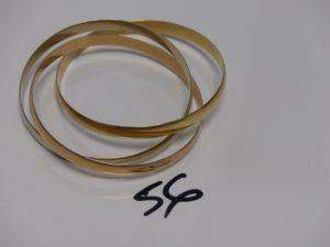 1 bracelet 3 brins demi-joncs 3 ors (diamètre 6,5cm). PB 64,2g