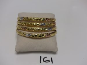 4 bracelets semi-rigides creux en or (diamètre 7cm, fragiles). PB 19g