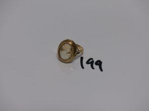 1 bague en or ornée d'un camée (td57). PB 6,2