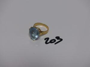 1 bague en or sertie d'une grosse pierre bleue ciel (td57). PB 8,5g