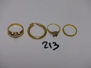 1 alliance ciselée (td51), 1 créole, 1 bague ornée de petites pierres (td56) et 1 bague rehaussée d'une pierre (td49). Le tout en or. PB 7,4g