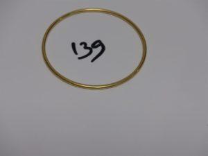 1 bracelet jonc en or (diamètre 6,5cm). PB 15,6g