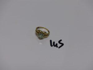 1 bague en or rehaussée d'1 pierre bleue ciel (Td53). PB 3,9grs