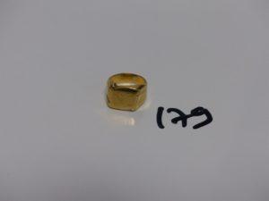 1 chevalière gravée en or (monture abîmée, Td51). PB 4,7grs