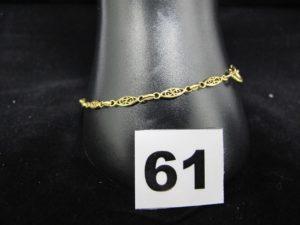 1 bracelet en or maille filigranée (fermoir à changer, L 20 cm). PB 2,8g