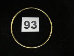 1 bracelet jonc en or (diam 6,5cm). PB 22g