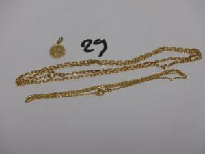 2 chaines maille forçat (L44/54cm) et 1 petite médaille. Le tout en alliage 9K. PB 8,9g