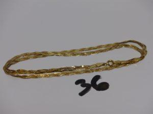 1 collier maille plate tressée en or (L42cm). PB 4,5g