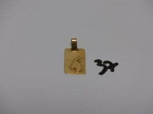 1 pendentif plaque en or signe du capricorne. PB 5,7g