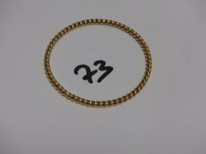 1 bracelet jonc torsadé en or (diamètre 6,5cm). PB 27g
