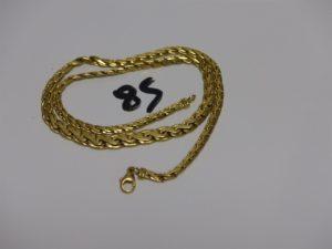 1 collier maille festonnée abimé en or (L43cm). PB 12g