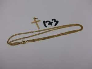 1 chaîne maille gourmette (L46cm) et 1 petite croix. Le tout en or PB 7,6g