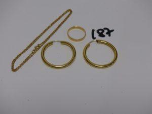 1 paire de créoles (diamètre 3cm), 1 alliance (td53) et 1 chaîne maille forçat (L40cm). Le tout en or PB 8,3g