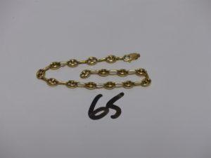 1 bracelet maille grain de café cassé en or (L17cm). PB 4,5g