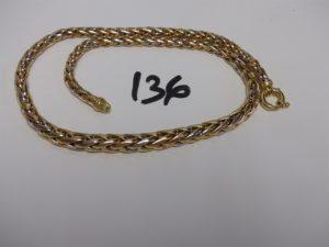 1 collier maille palmier 3 ors (1 peu cabossé,L44cm). PB 21,5g