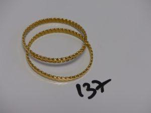 2 bracelets rigides torsadés en or 22K (diamètre 6cm). PB 50g
