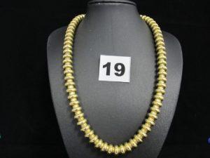 1 collier en or type spirotube (L 43cm). PB 79,1g