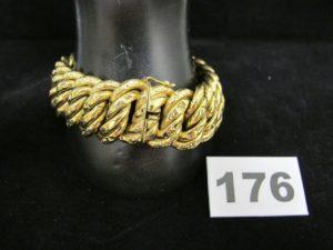 1 bracelet en or large maille americaine (L 21cm, légèrement cabossé). PB 44,3g