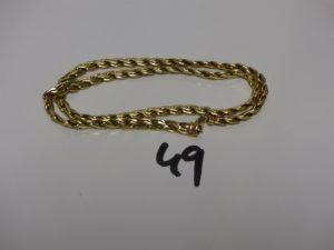 1 collier maille festonnée en or. PB 17,1g