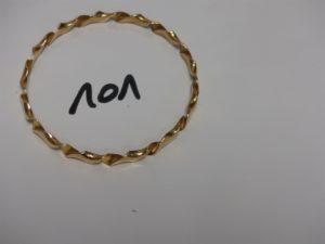 1 bracelet jonc torsadé en or (diamètre 7cm). PB 23,3g