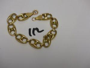 1 bracelet maille grain de café en or (L22cm, fermoir à réparer). PB 12,4g
