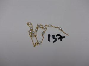 1 collier or et perles (cassé). PB 3,4g