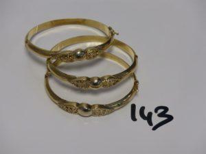 3 bracelets rigides ouvrant en or (manque pierres, diamètre 5/6cm). PB 35,7g