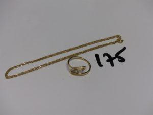 1 bague monture bicolore en or ornée de petits diamants (Td53 2 chatons vides) et 1 chaîne fine maille torsadée en or (L44cm). PB 3g