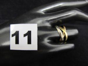 1 alliance en or, 3 brins, tricolore (TD 56). PB 3,2g