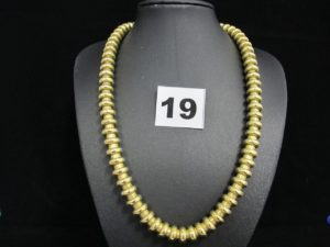 1 collier en or type spirotube (L 43cm). PB 79,1g