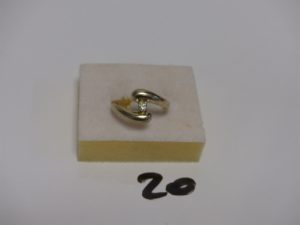1 solitaire en or orné d'1 diamant TL brillant d'environ 0,10 carat (Td55). PB 3,6g