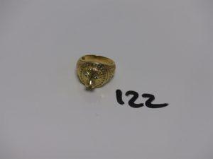 1 bague tête de lion en or ornée de petites pierres (Td58). PB 11,2g