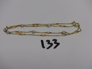 1 collier or et perle (L46cm, 1 perle avec attache en métal). PB 4,8g
