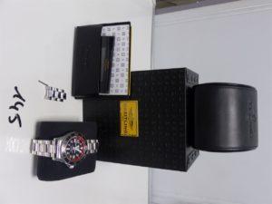 1 montre bracelet en acier de marque BREITLING- super ocean, cadran noir dateur à 15 heures, modèle automatique (dans son étuin et accompagnée du certificat ainsi qu'une rallonge pour le bracelet ref : 1477389)