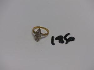1 bague marquise en or ornée de petits diamants (Td52). PB 3,1g